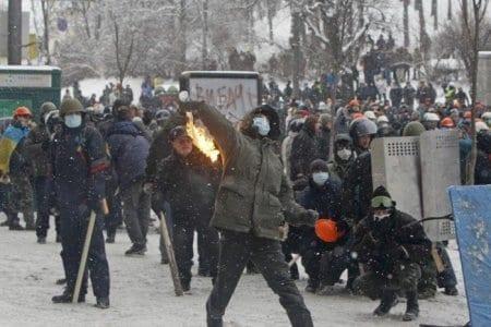 Чи назріває новий майдан? Результати моніторингу протестів, репресій та поступок за серпень 2014 року